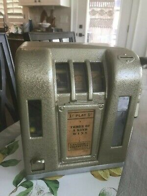 Old Antique 1 cent Slot Machine Chesterfield  Camel Trade Stimulator trade gum B