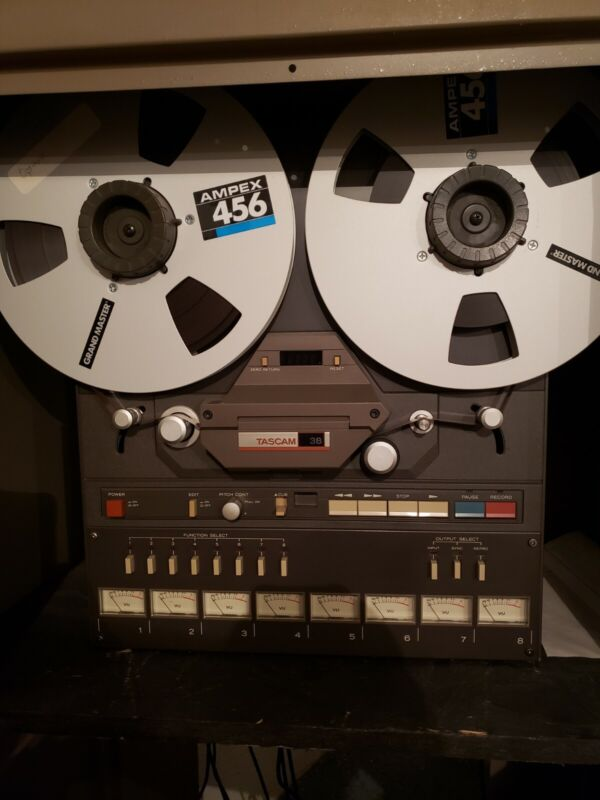 TASCAM MODEL 38 - Reel to Reel. Pristine condition