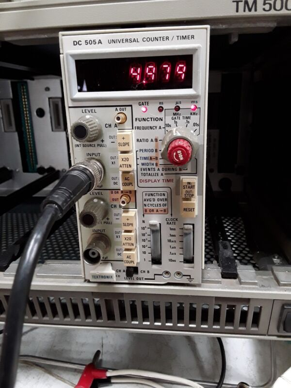 Tektronix DC 505 A Universal Counter Timer