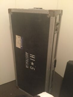Road case for 5 octave keyboard