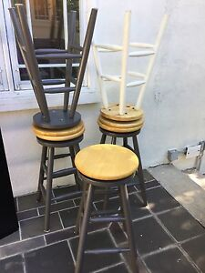 5 stools, grey and white