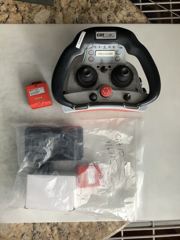 CATTRON LRC-M1 CONTROLLER WITH CHARGING PACK AND EXTRA BATTERY