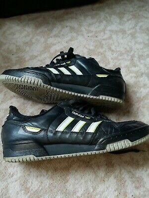 Men's rare vintage / retro  Adidas Kick trainers football 5 a-side size 9 / 43.5