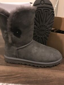 Uggs size 6 grey bailey button
