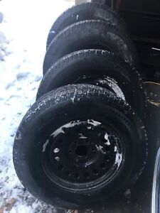 4 Michelin snow tires on rims Silverado/Sierra/Yukon/avalanche