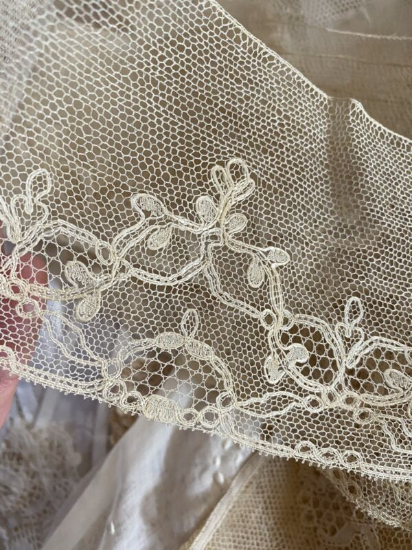 ANTIQUE DELICATE FINE HAND ENGLISH LACE BUCKS POINT FOND SIMPLE GROUND  YDG