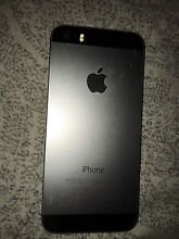 Iphone5s black 16gb cracked screen but still working $315 Cardiff Lake Macquarie Area Preview