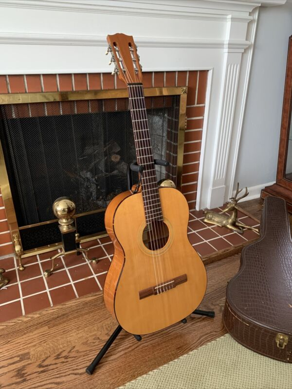 Vintage 1962 Gibson C-1 Classical Nylon String Guitar W/ Original Case
