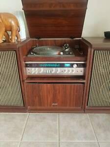 Retro Sharp Amp, Quadraphonic,Turntable (needle) and Speakers - CD-4