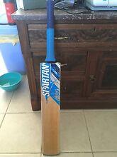 Cricket bat Bligh Park Hawkesbury Area Preview