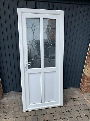 WHITE UPVC DOOR AND FRAME USED WITH 2 KEYS