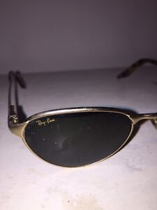 Ray-Ban classic gold sunglasses; no scratches.