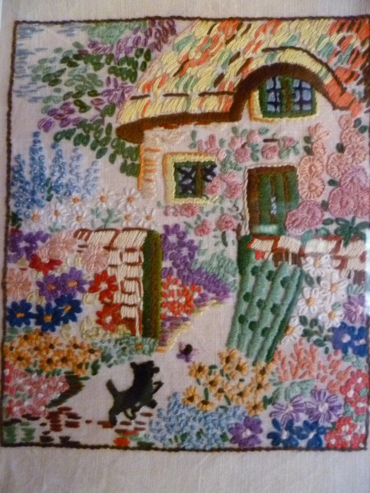 Janettes Vintage Linen andTreasures