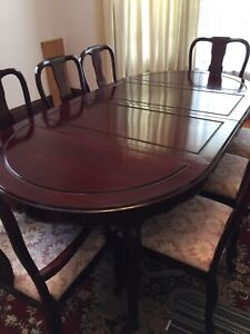 Dining room table , Chairs ad Hutch