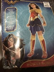 Bat girl and Wonder Woman costume Size girl Large