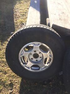Chev rims w/tires