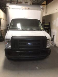 2009 ford e350  Cube van 16 foot long, new motor with warranty