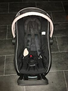 Baby capsule- steel craft excellent condition Gosnells Gosnells Area Preview