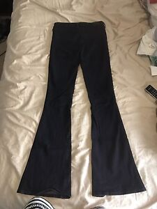 Guess Trouser Flare Jeans Size 25 (0) - excellent condition!