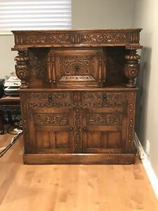 Ridpath Furniture Antique brown hutch buffet cabinet with doors