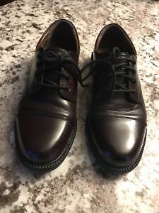 Brand New(worn once) Dockers Leather Shoes 8.5W