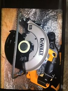 DeWalt DCS393 20V Max CORDLESS CIRCULAR SAW (New)