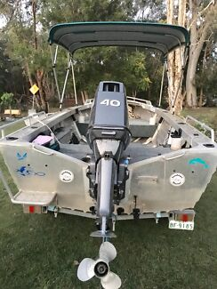 Quintrex 4.2 Dory 40hp Yamaha on good trailer