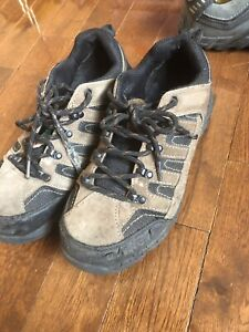 Men's work boots size 9