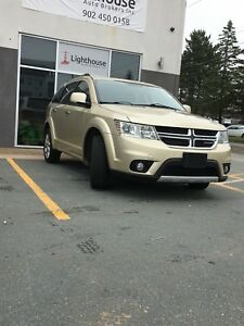 Dodge Journey 2011 RT all wheel drive.