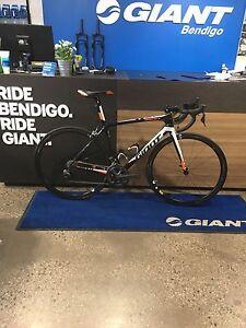 Giant TCR Advanced SL 1 DI2 M Bendigo Bendigo City Preview