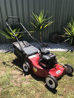Pope lawn mower briggs&stratton four stroke
