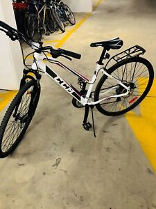 CCM Hybrid bicycle 700C