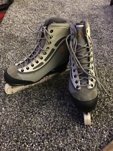 Womens CCM Figure Skates