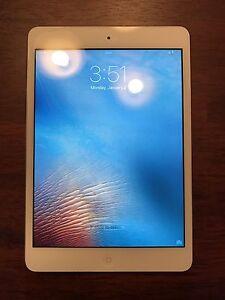 iPad Mini 1st Gen, Apple Smart Cover, Accessories