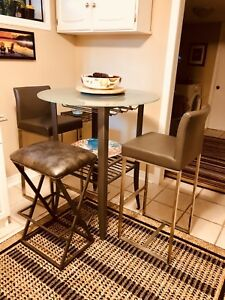 """New Glass """"Counter Height"""" Table & chair table set"""