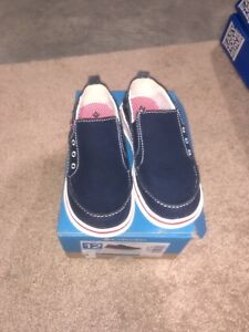 New Columbia boys shoes size 12