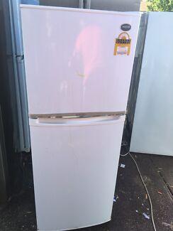 Samsung 260L fridge