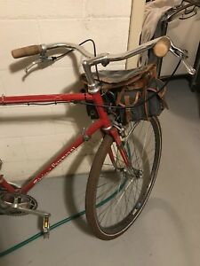 Vintage commuter bike