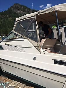 27 foot Bayliner---Cash or Trade for a Truck.