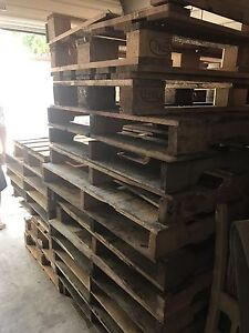 Free pallets Monterey Rockdale Area Preview