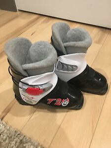 Youth Ski Boots - Size 18.5