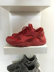 1b7b96f1cbc5 Red Huaraches Nike