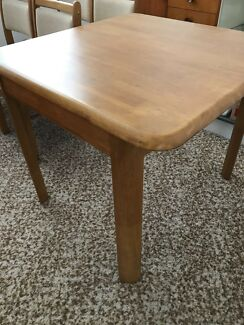 Retro extendable table and 4 x chairs