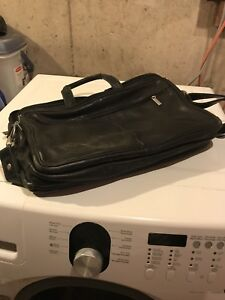 Kenneth Cole Black Leather Briefcase / Laptop Bag