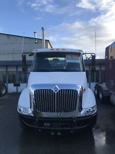 Day cab truck