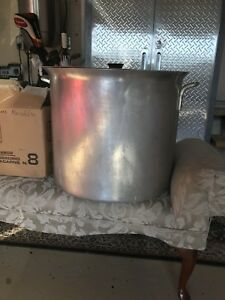 Aluminum large stock pot with lid
