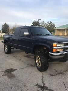 1994 Chevy 1500 low km! Price drop!