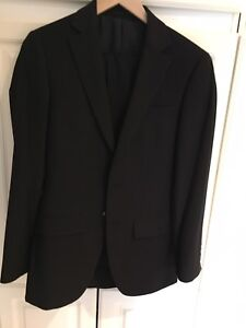 Black boys suit size 14/16
