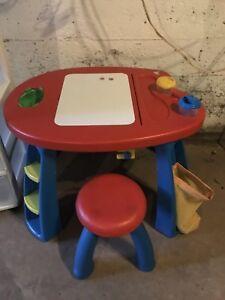 Kids art desk & chair (small)