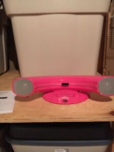 Docking Station and speakers for iPhone/iPod 4